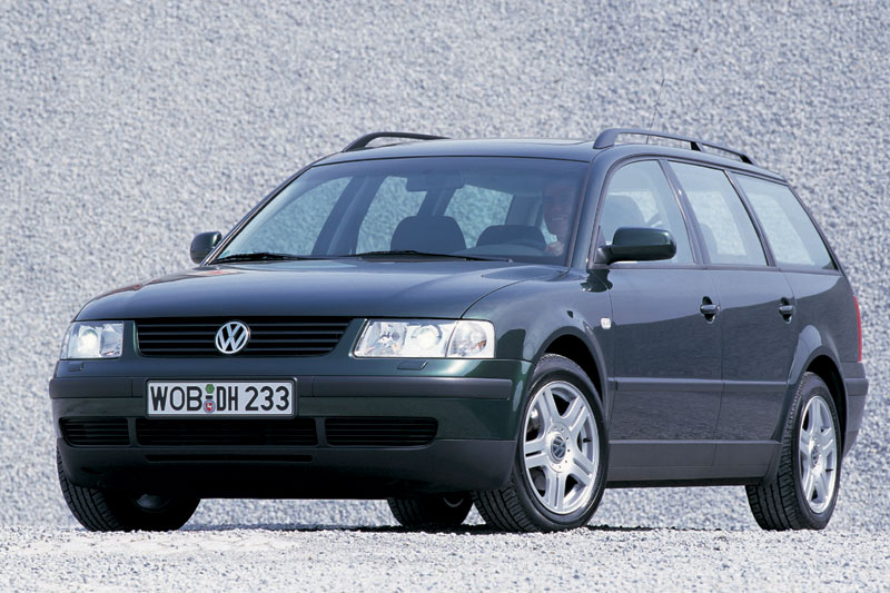 Volkswagen Passat 2.3 1998 photo - 3