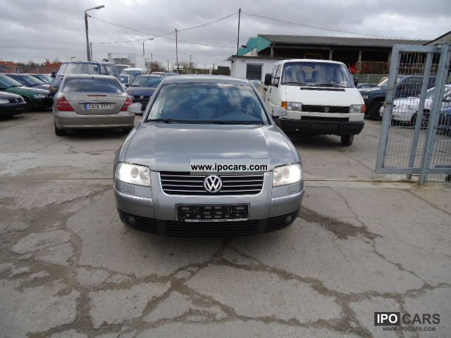 Volkswagen Passat 2.5 2004 photo - 1