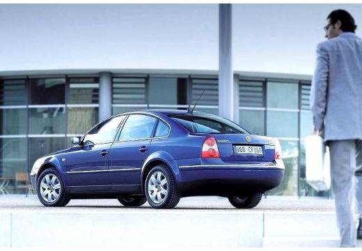Volkswagen Passat 2.5 2004 photo - 10