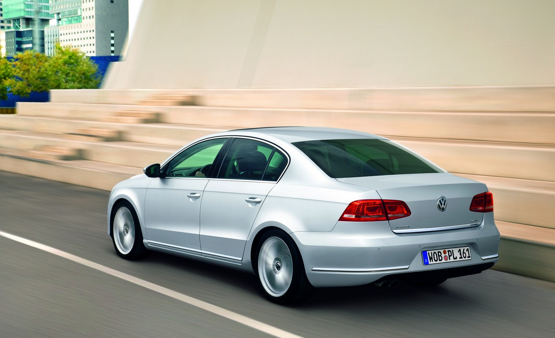Volkswagen Passat 3.6 2014 photo - 8