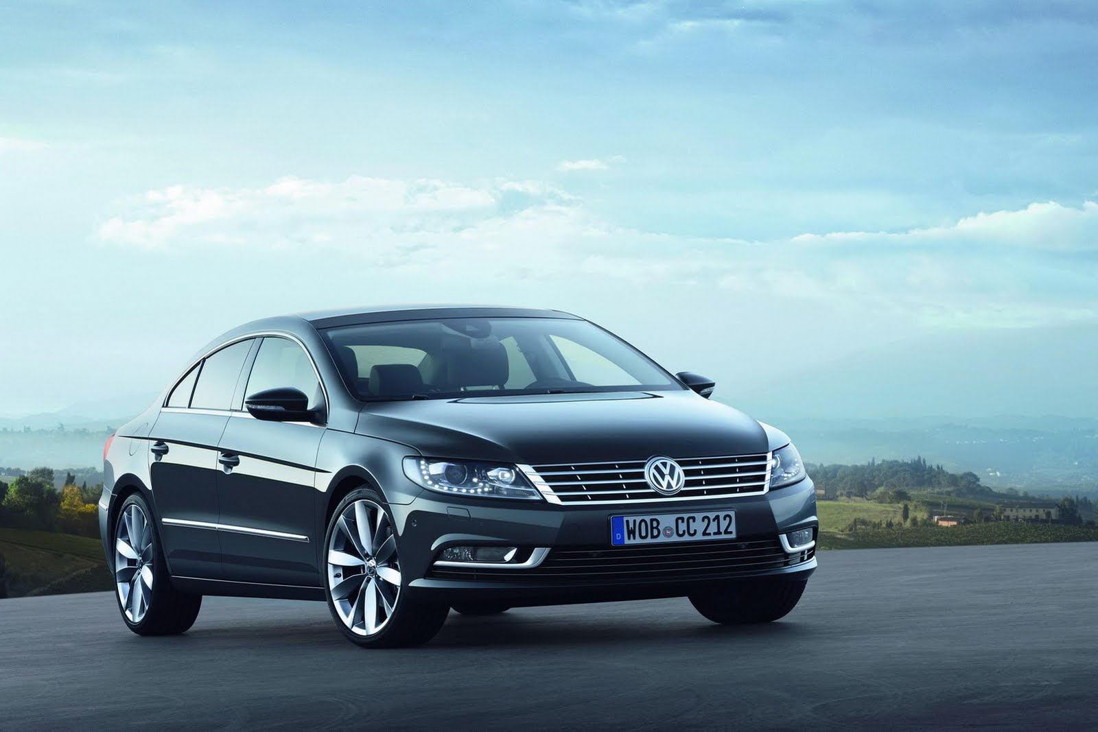 Volkswagen Passat CC 1.4 2013 photo - 5