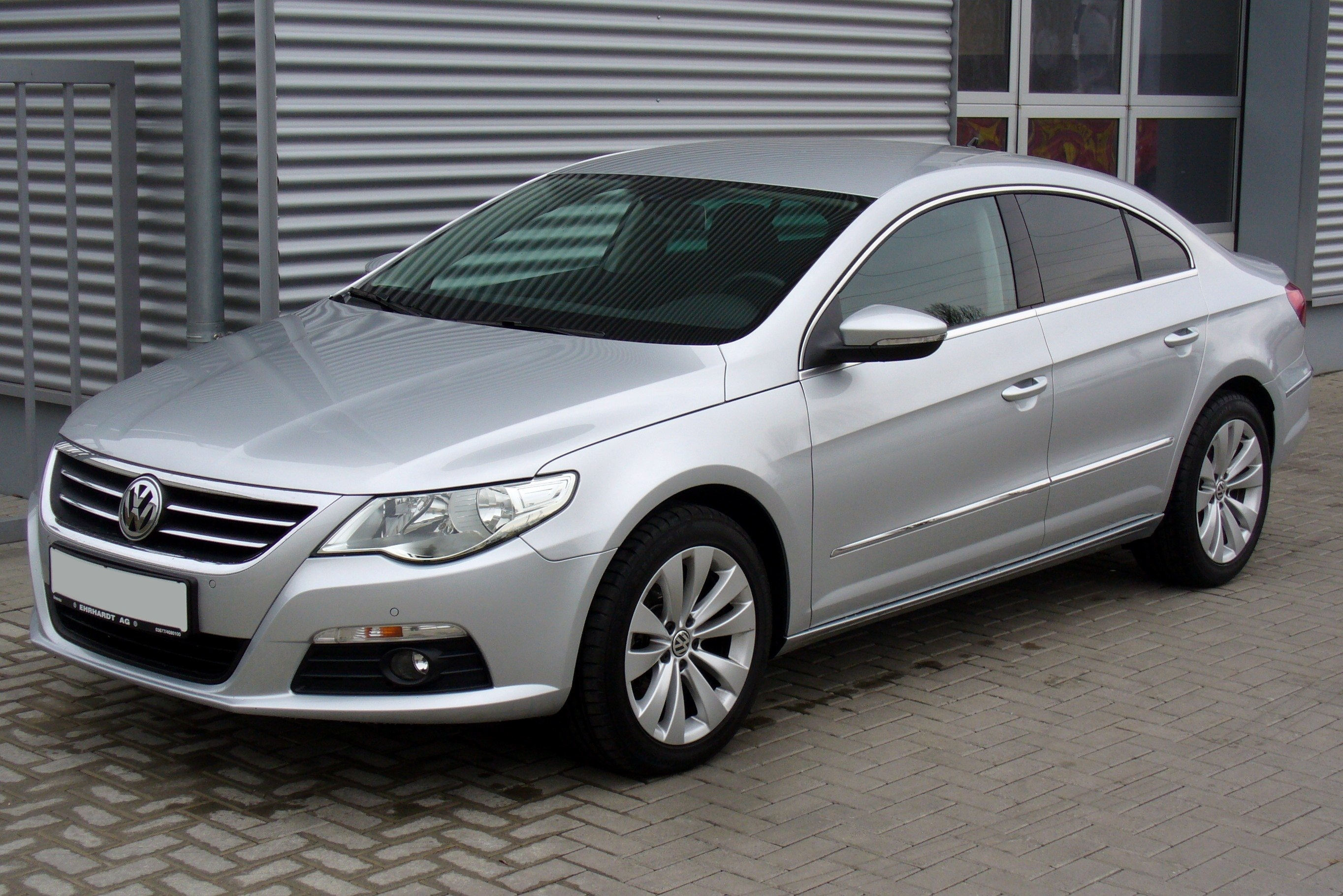 Volkswagen Passat CC 2.0 2011 photo - 1