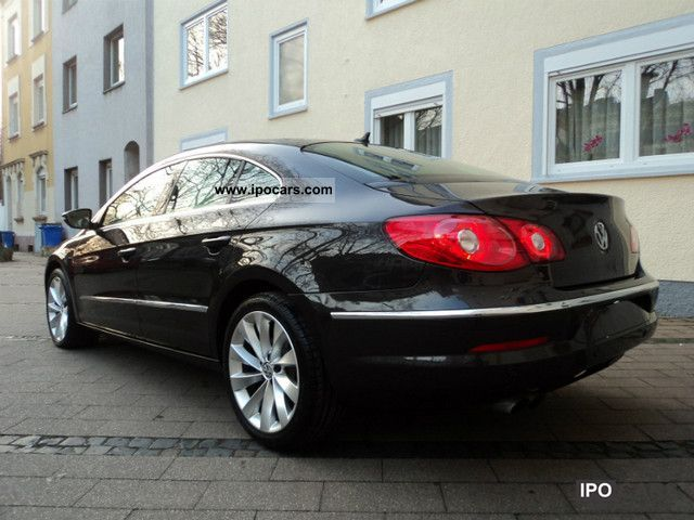Volkswagen Passat CC 2.0 2011 photo - 2