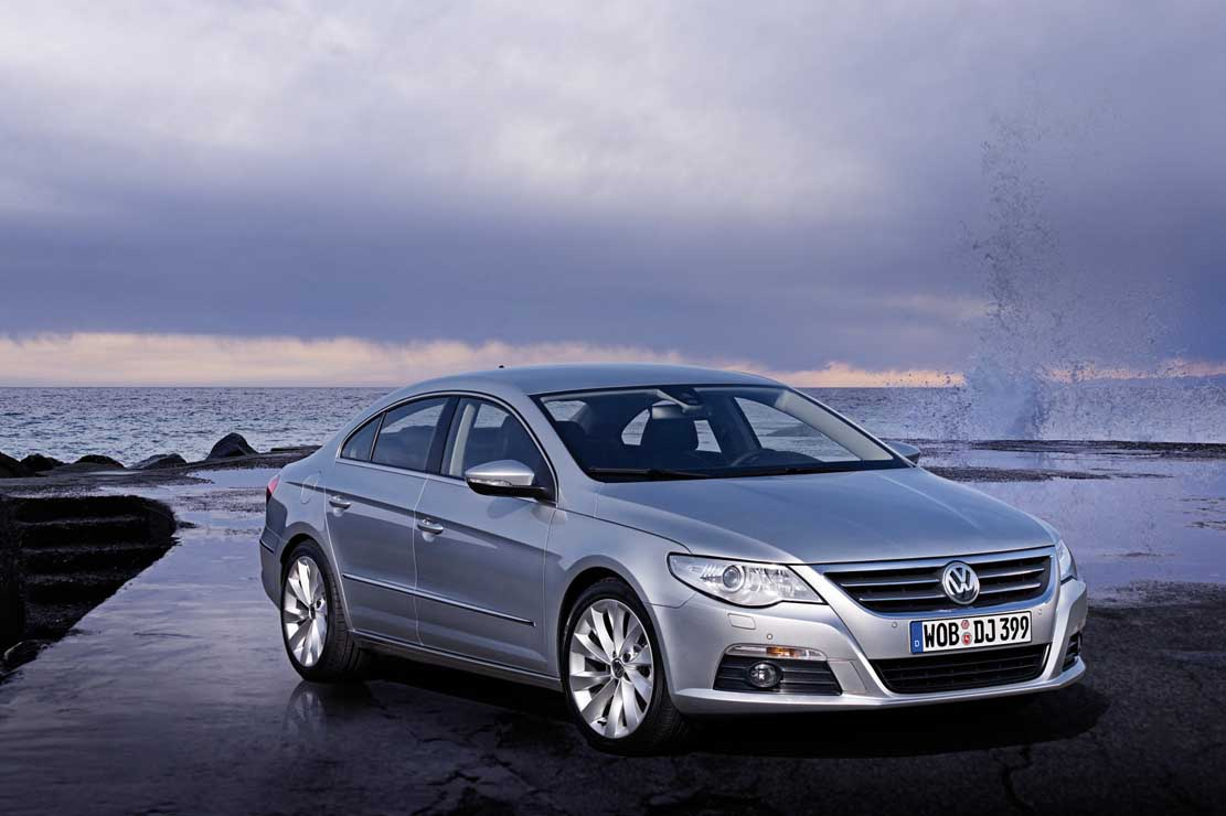 Volkswagen Passat CC 2.0 2011 photo - 3