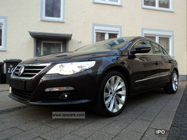 Volkswagen Passat CC 2.0 2011 photo - 4