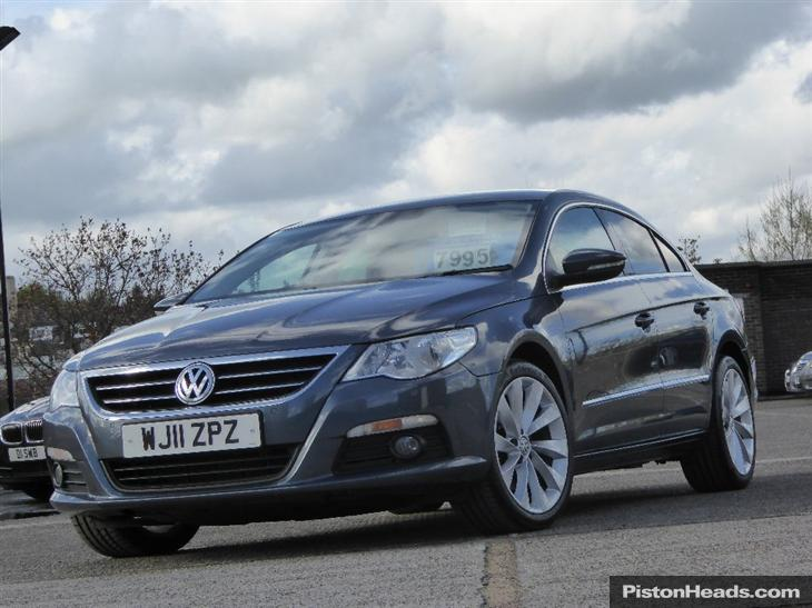 Volkswagen Passat CC 2.0 2011 photo - 6