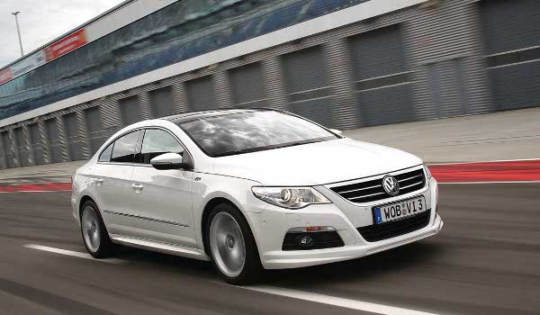 Volkswagen Passat CC 2.0 2011 photo - 7