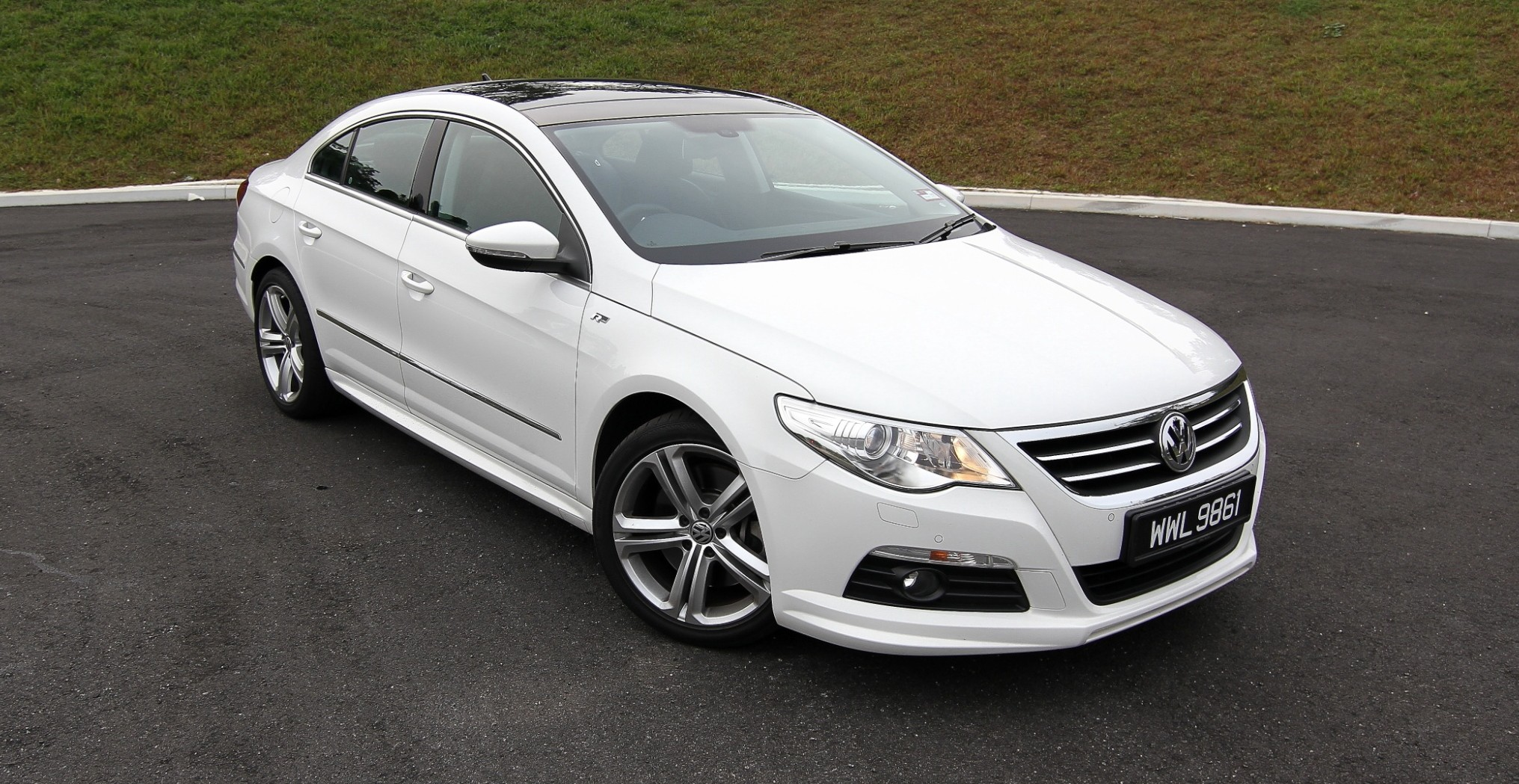 Volkswagen Passat CC 3.6 2012 photo - 10