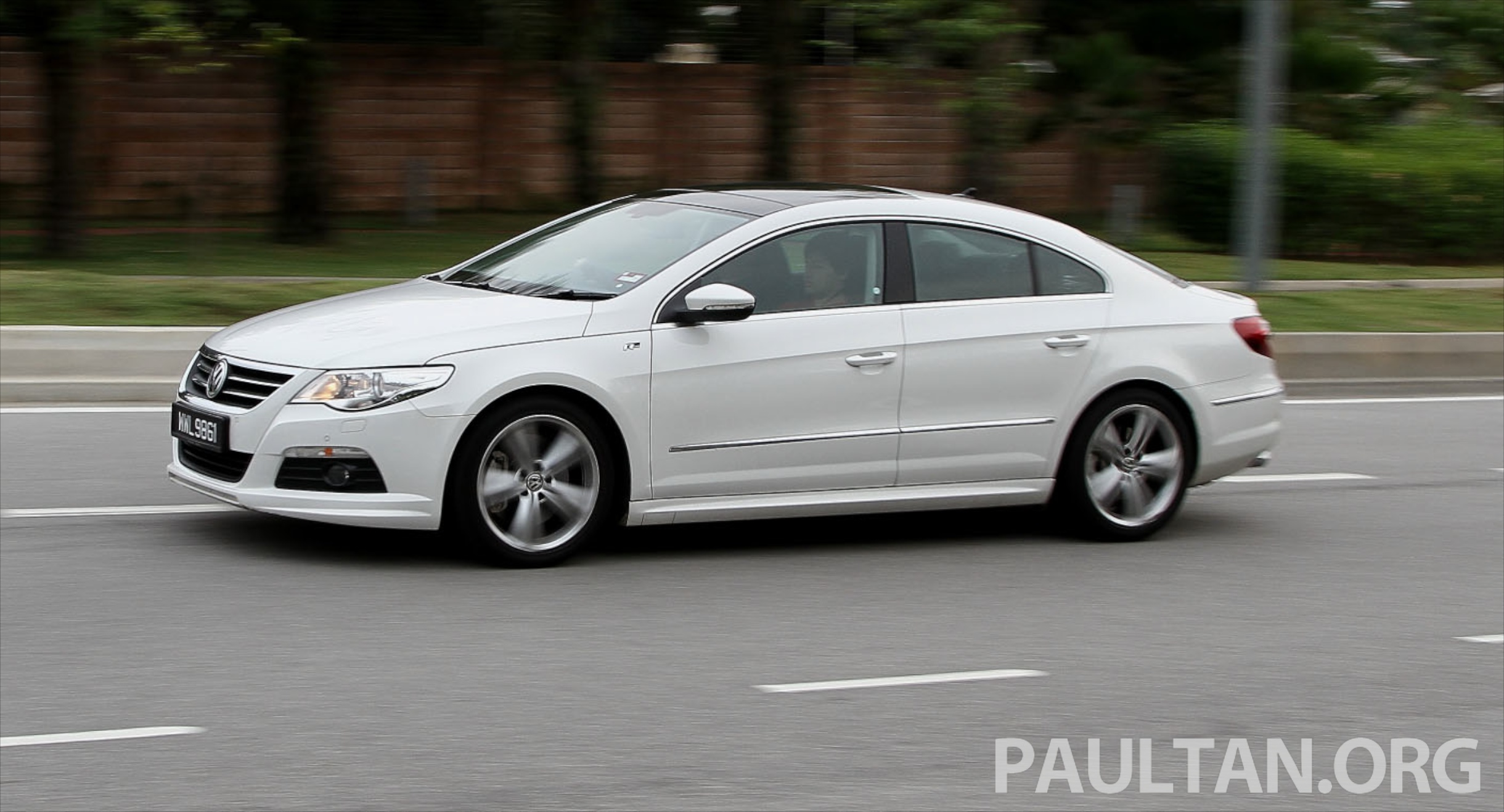 Volkswagen Passat CC 3.6 2012 photo - 6