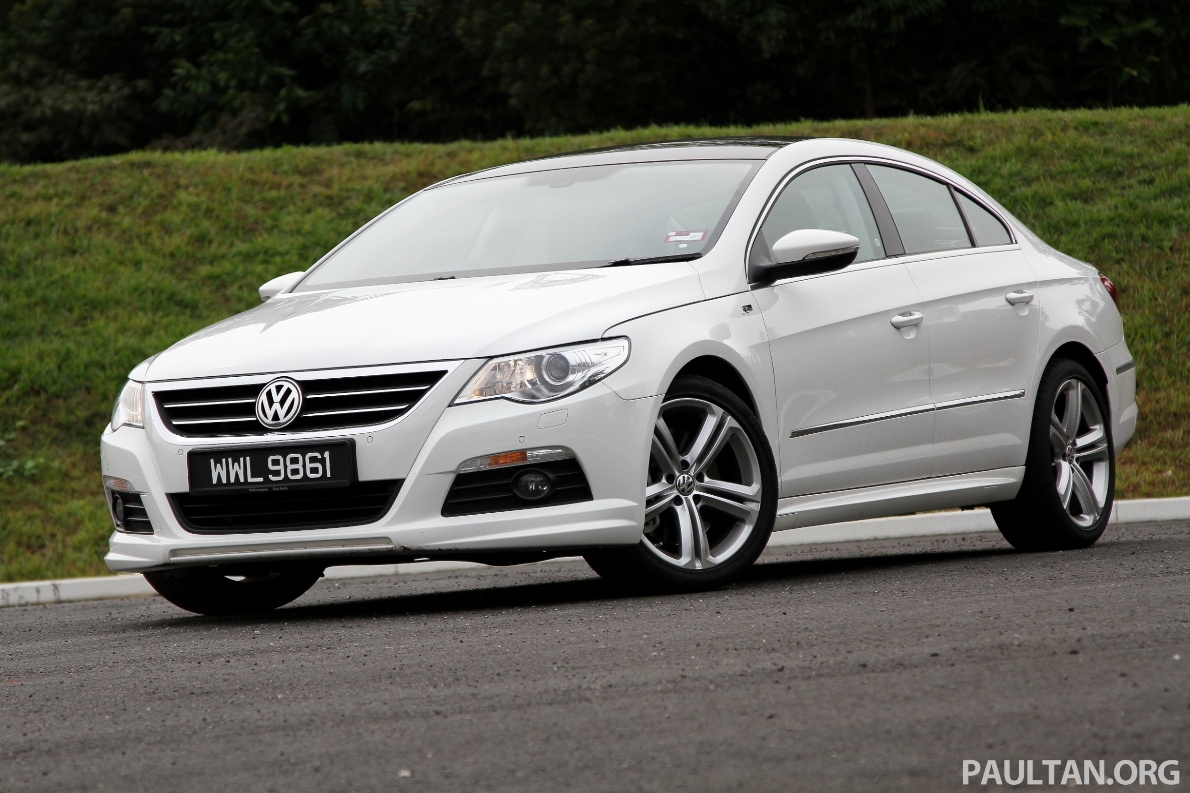 Volkswagen Passat CC 3.6 2012 photo - 8