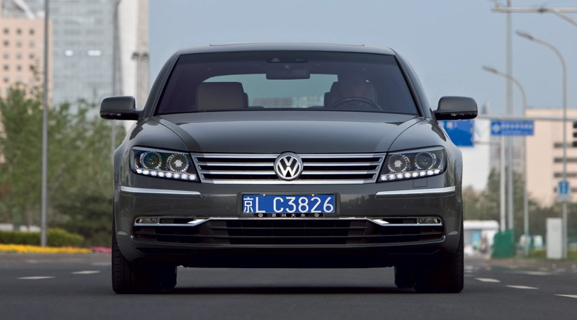 Volkswagen Phaeton 3.0 2010 photo - 8