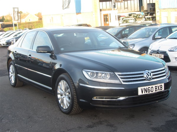 Volkswagen Phaeton 3.0 2011 photo - 12