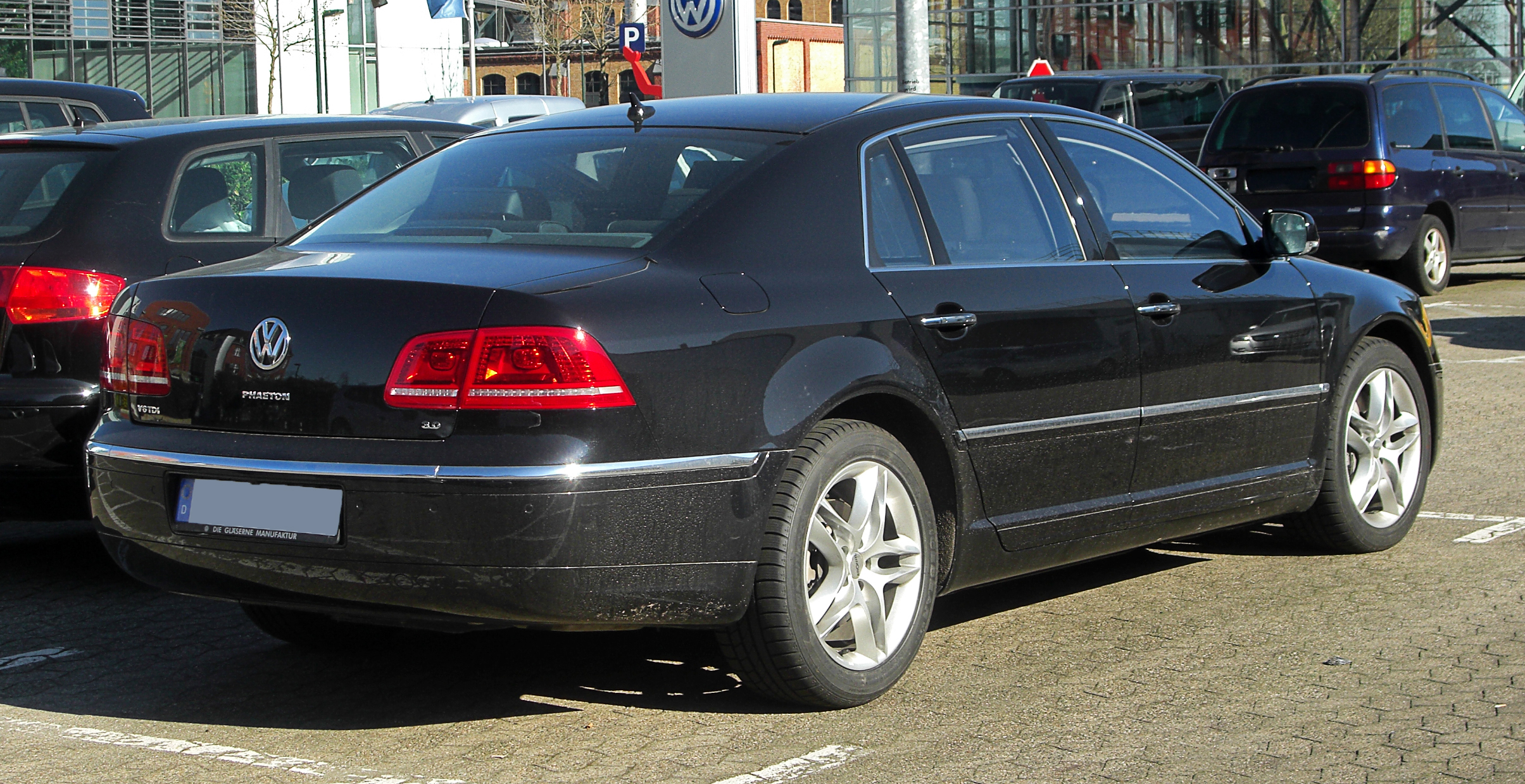 Volkswagen Phaeton 3.0 2011 photo - 5