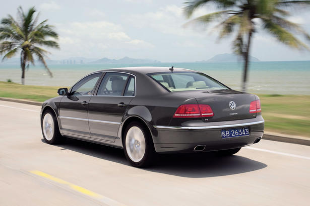 Volkswagen Phaeton 3.0 2011 photo - 8