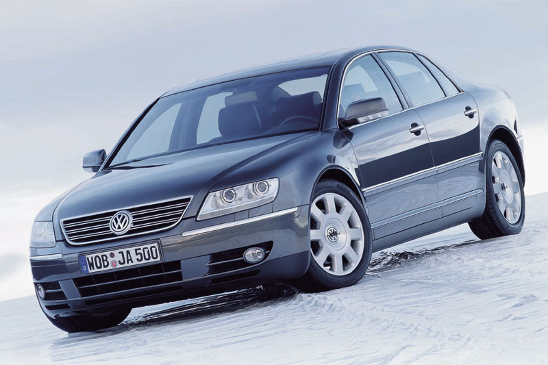 Volkswagen Phaeton 3.2 2004 photo - 12