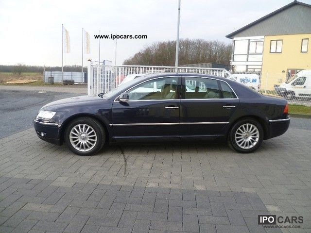 Volkswagen Phaeton 3.2 2004 photo - 3