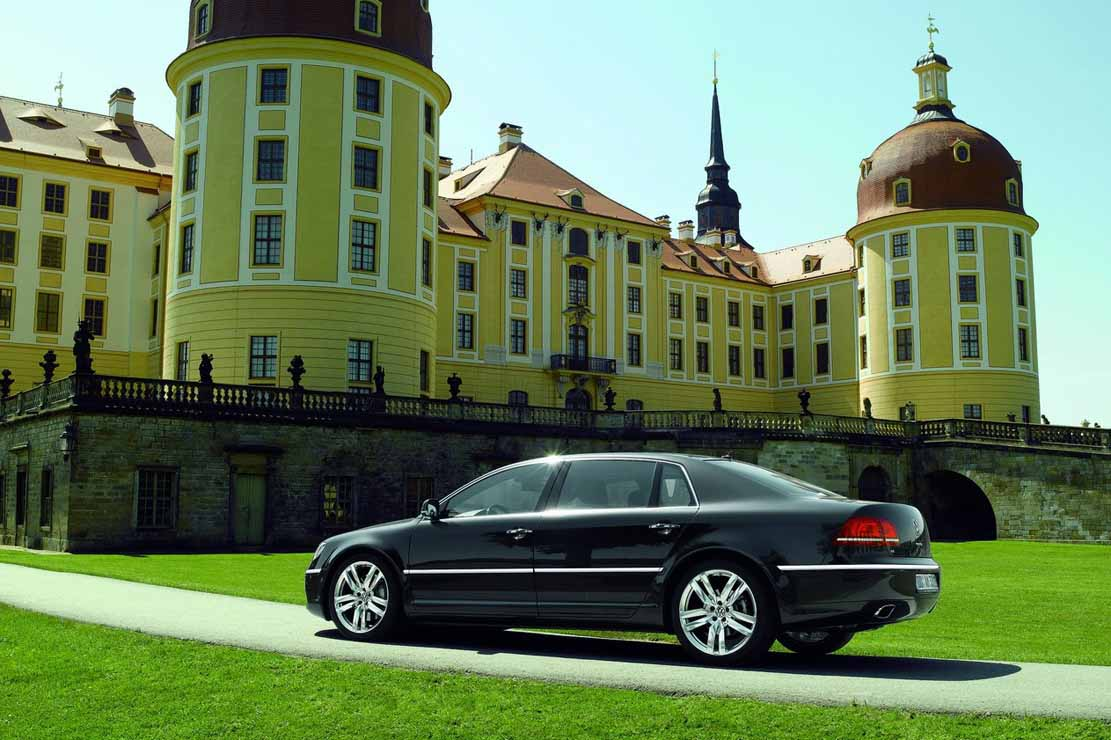 Volkswagen Phaeton 3.6 2013 photo - 5