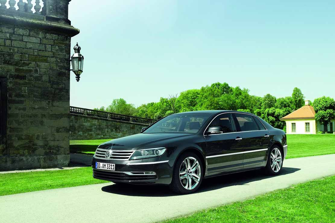 Volkswagen Phaeton 3.6 2013 photo - 6