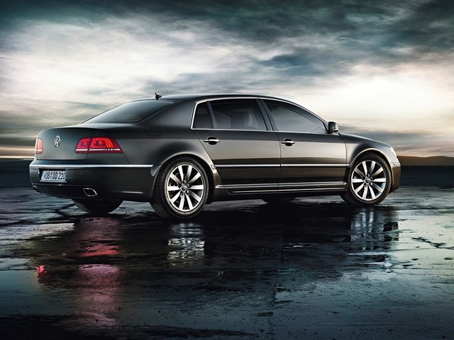 Volkswagen Phaeton 3.6 2013 photo - 7