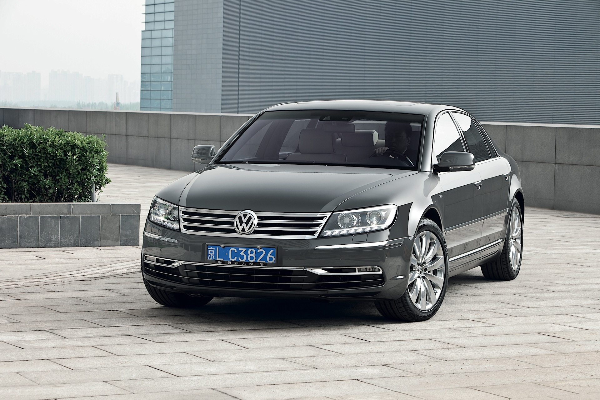 volkswagen phaeton 3 6 2014 technical specifications. Black Bedroom Furniture Sets. Home Design Ideas