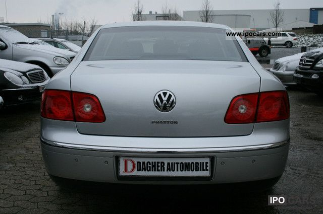 Volkswagen Phaeton 5.0 2004 photo - 2