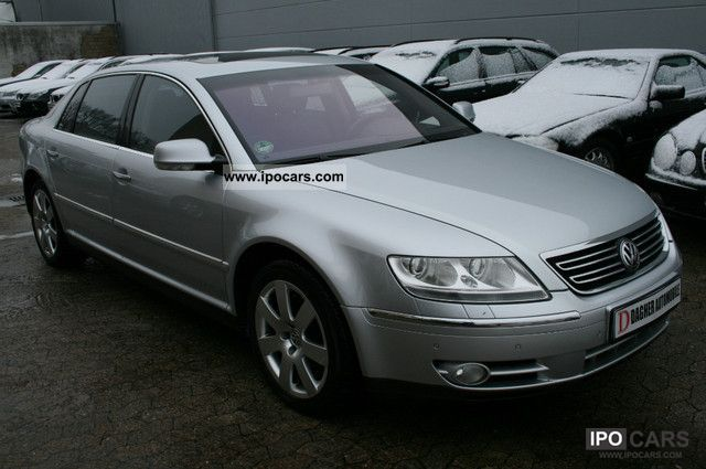 Volkswagen Phaeton 5.0 2004 photo - 8