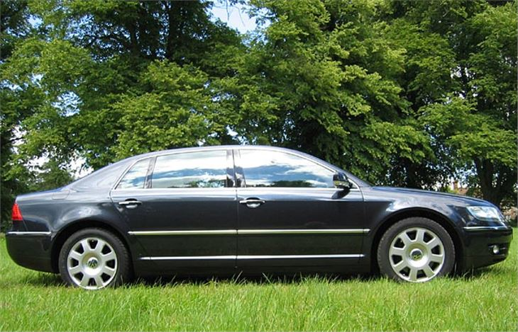 Volkswagen Phaeton 6.0 2003 photo - 1