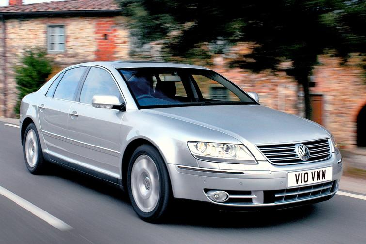 Volkswagen Phaeton 6.0 2003 photo - 12