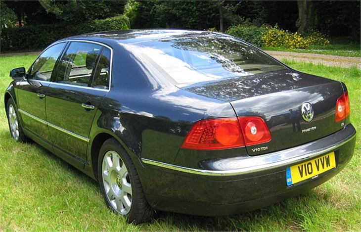 Volkswagen Phaeton 6.0 2003 photo - 2