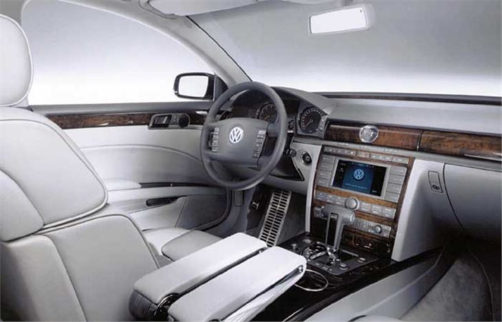 Volkswagen Phaeton 6.0 2003 photo - 8