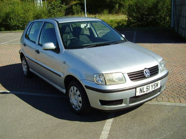Volkswagen Polo 1.0 2001 Technical specifications ...