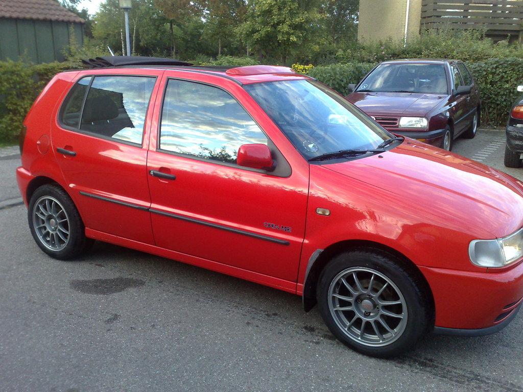 Volkswagen Polo 1.1 1997 photo - 2