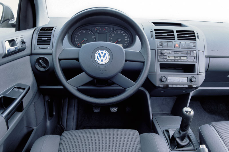 Volkswagen Polo 1.2 2002 photo - 4