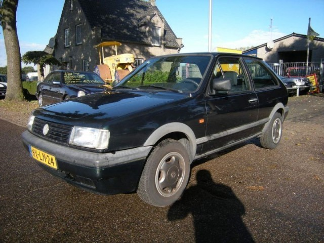 Volkswagen Polo 1.3 1985 photo - 12