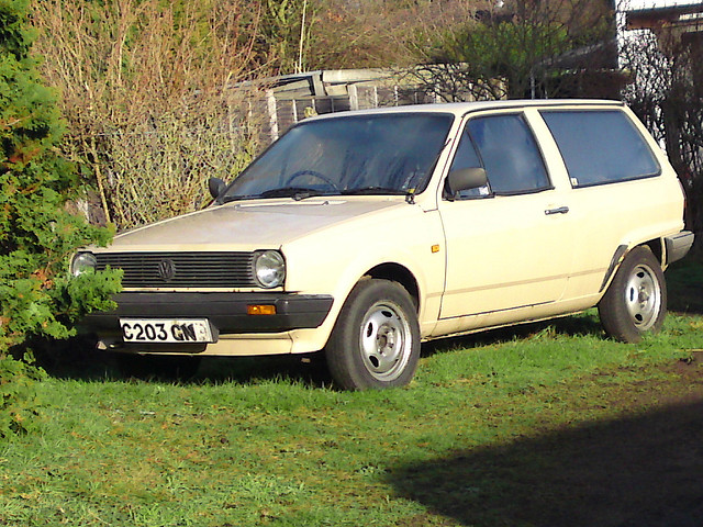 Volkswagen Polo 1.3 1985 photo - 2