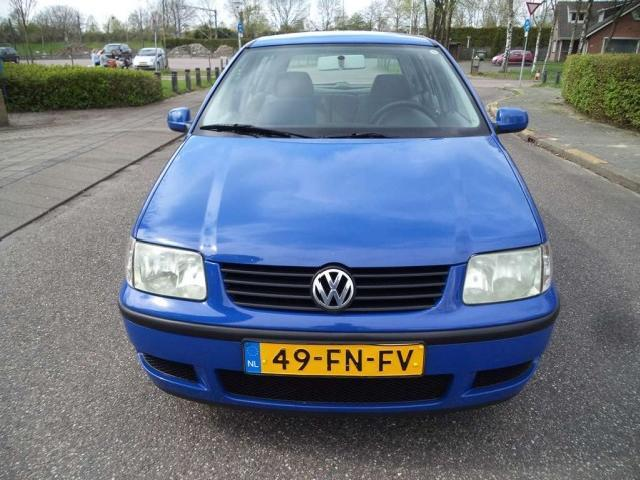 Volkswagen Polo 1.4 2000 photo - 10