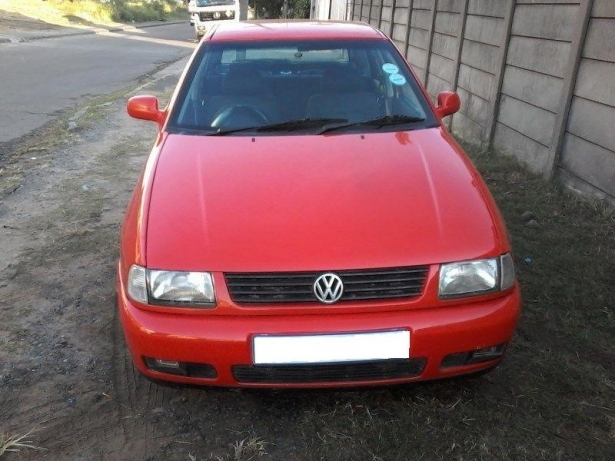 Volkswagen Polo 1.6 2000 photo - 11