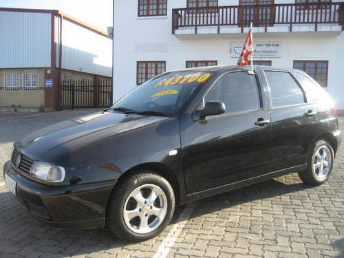 Volkswagen Polo 1.6 2000 photo - 2