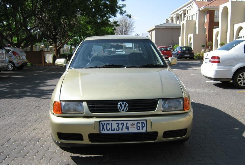 Volkswagen Polo 1.6 2000 photo - 5