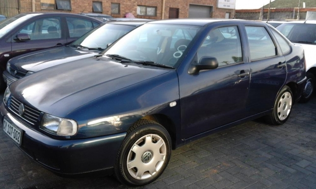 Volkswagen Polo 1.6 2000 photo - 7