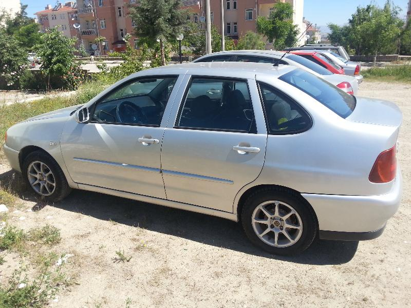 Volkswagen Polo 1.6 2000 photo - 8