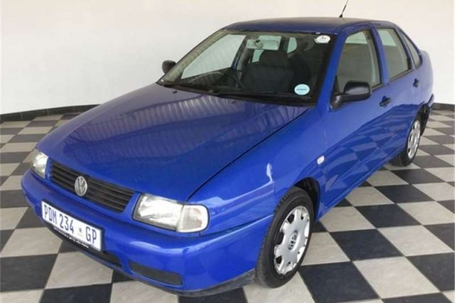 Volkswagen Polo 1.6 2001 photo - 10