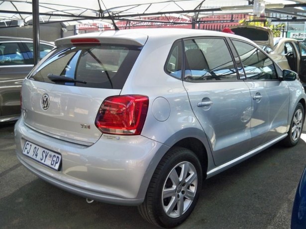 Volkswagen Polo 1.6 2011 photo - 11