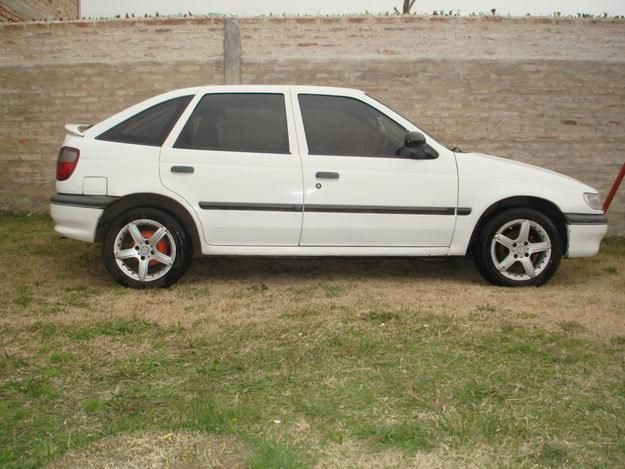 Volkswagen Polo 1.7 1993 photo - 11