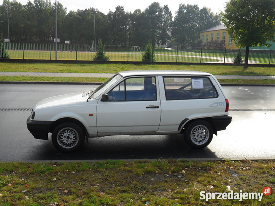 Volkswagen Polo 1.7 1993 photo - 9