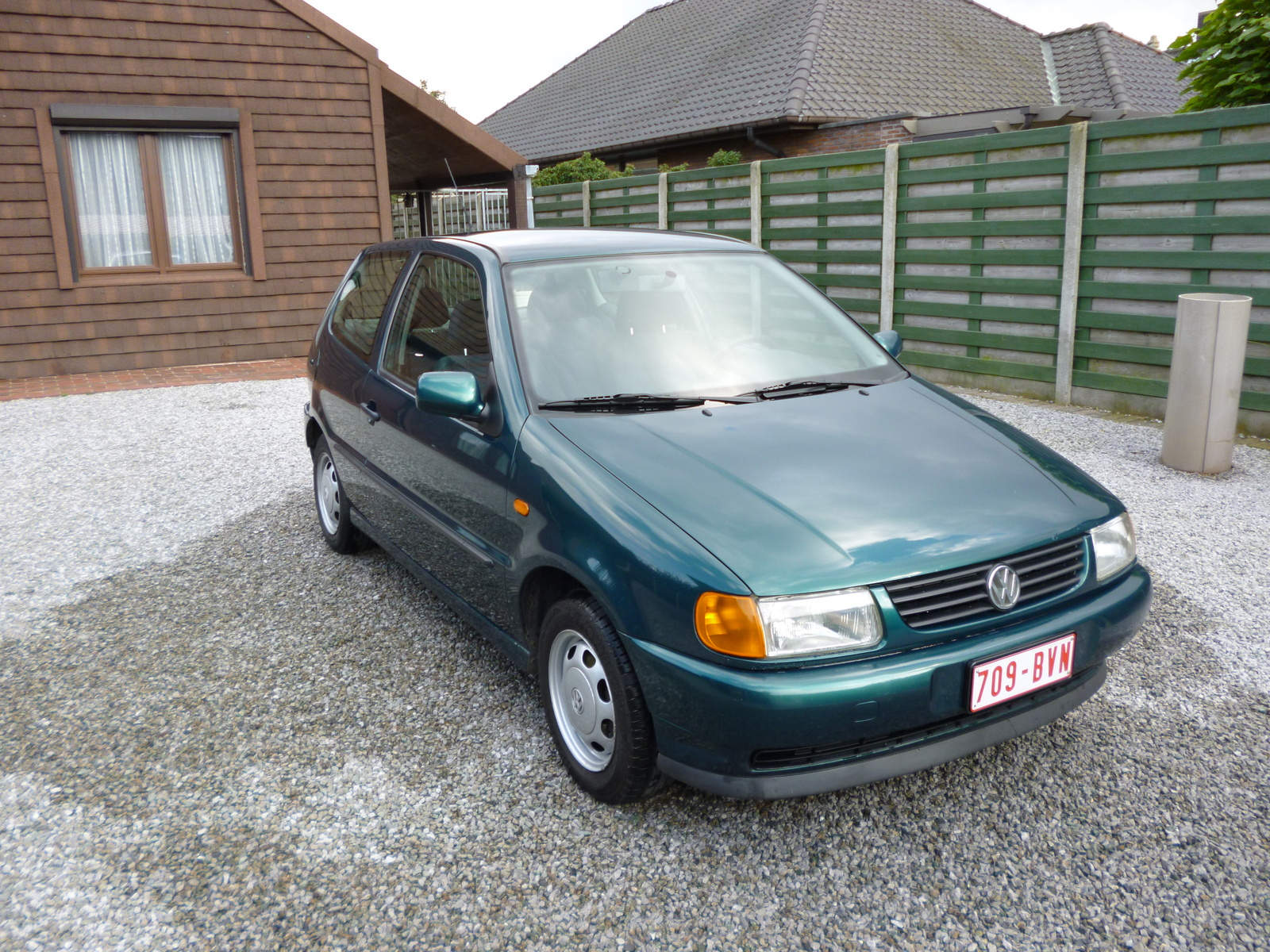Volkswagen Polo 1.9 1996 photo - 8