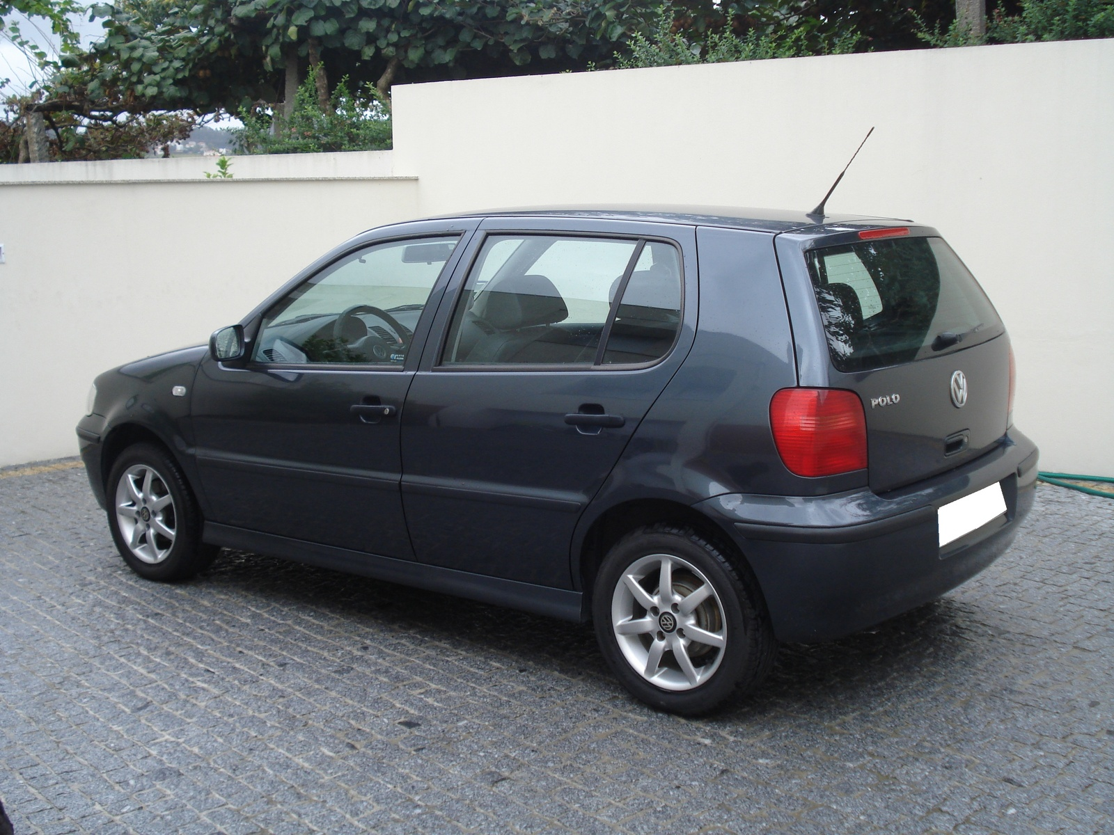 Volkswagen Polo 1.9 2000 photo - 1