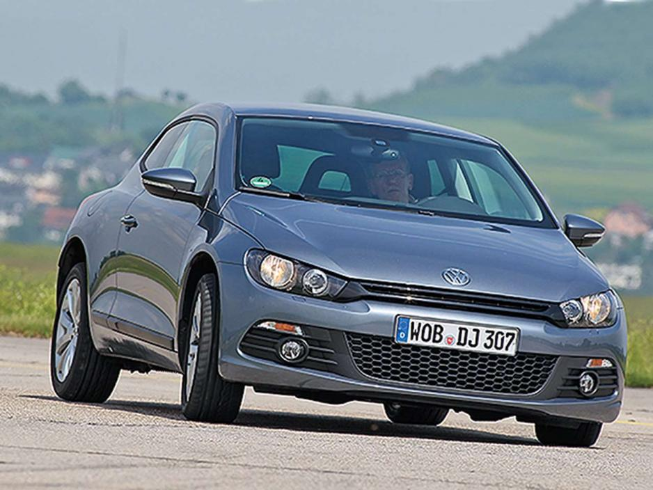 Volkswagen Scirocco 1.3 1999 photo - 2