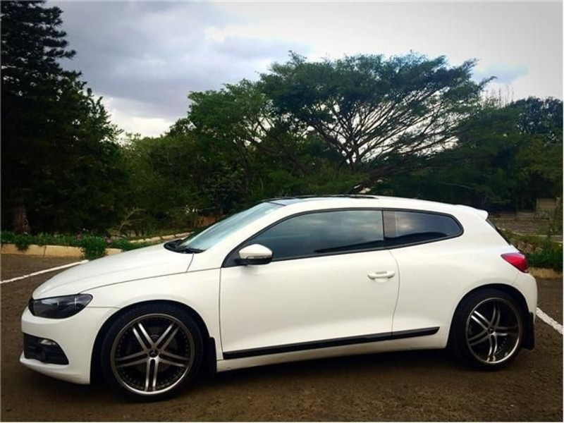 Volkswagen Scirocco 1.4 2010 photo - 2