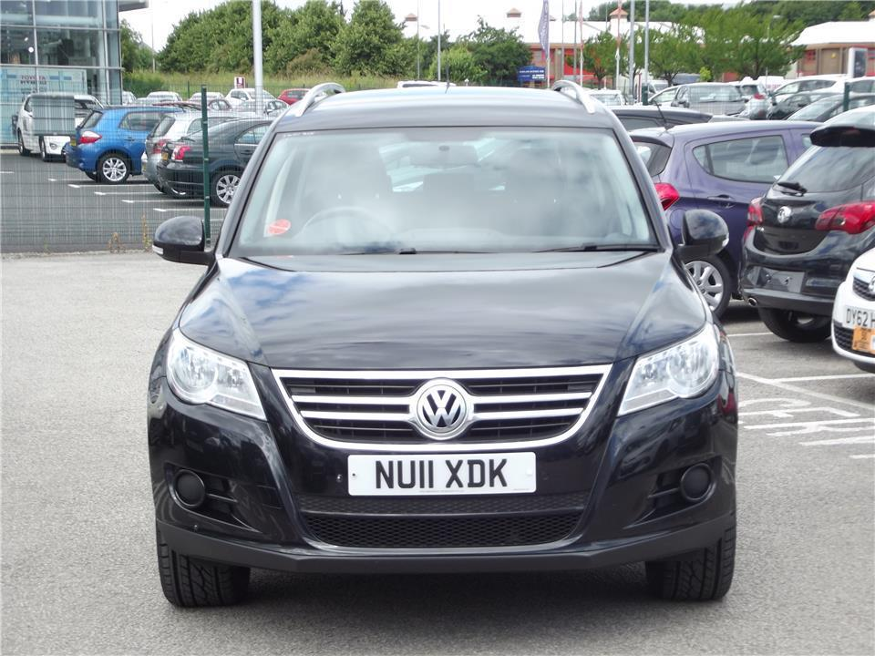 Volkswagen Tiguan 2.0 2011 photo - 1